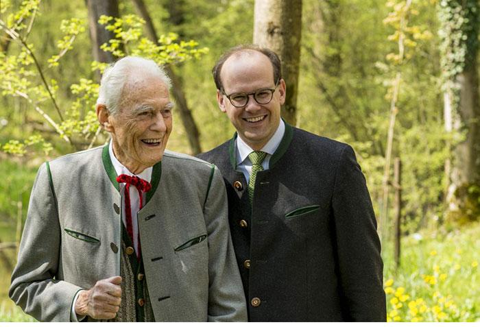 Otto Greither së bashku me drejtorin, Dr. Florian Block